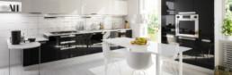 carrelage-immitation-parquet-blanc-cuisine-moderne-credence-cs17-carrelage-saintais-saintes-grand-carreaux-pos